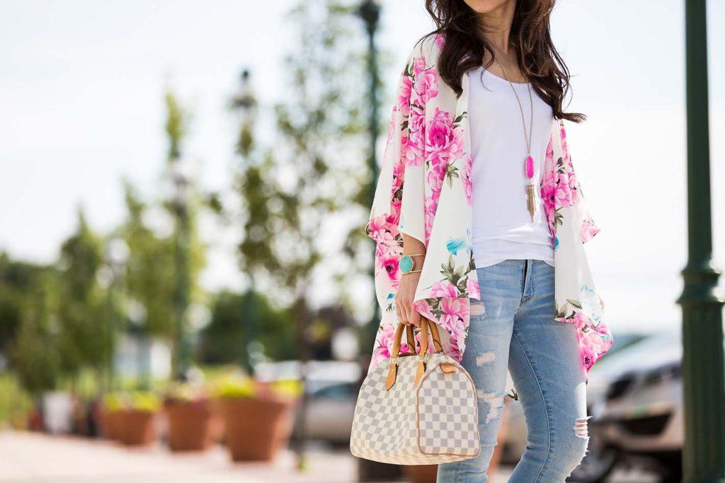 floral summer kimono and Louis Vuitton Speedy 25